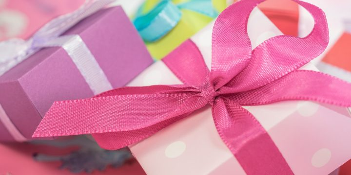 gift-553149_1920 (1)
